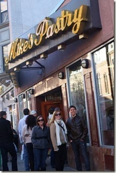 bloggers at mikes pastry in boston