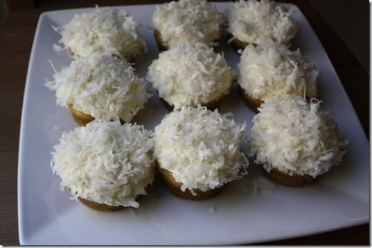 cupcakes with coconut