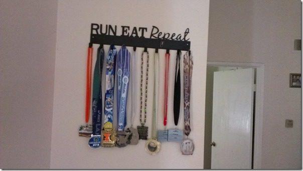 sporthooks medal hanger giveaway (800x450)