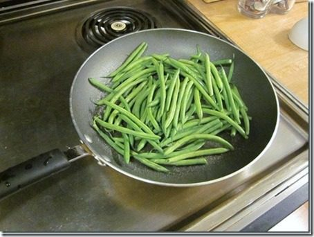 green bean fries in a skillet (451x339)