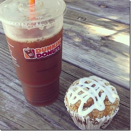 dukin donuts iced coffee and muffin (800x800)
