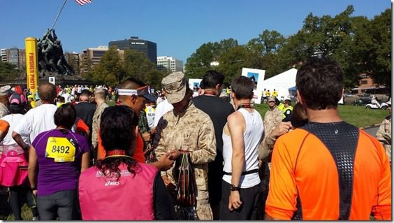 getting a medal at marine corps marathon (800x450)