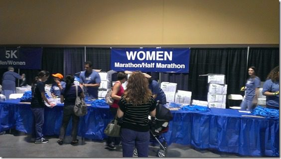long beach marathon expo t shirt booth (800x450)