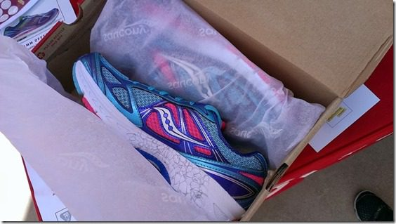 new saucony shoes 800x450 thumb Fitness Magazine LA Meet and Tweet