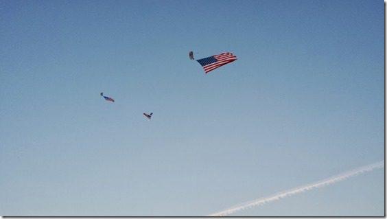 sky diver at marine corps marathon (800x450)