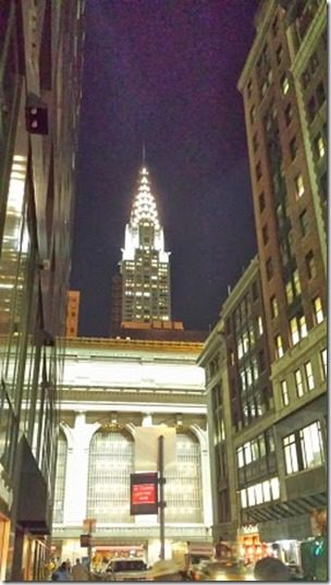 walking to dinner in new york (256x456)