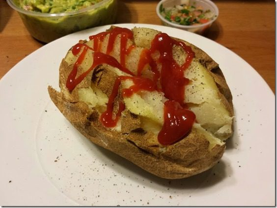 baked potato with ketchup (725x544)