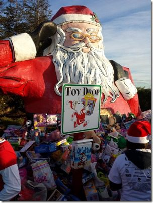 toy drop at santa to the sea 600x800 thumb Santa To The Sea Half Marathon