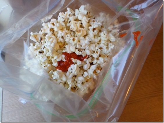 food blog how to make sriracha popcorn recipe