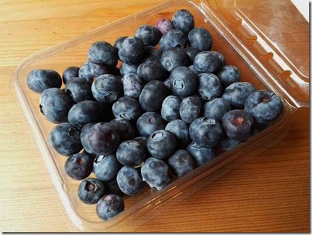 blueberries for national pie day smoothie recipe (669x502)