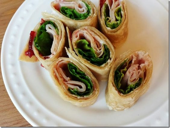 healthy turkey cream cheese wrap appetizer (669x502)