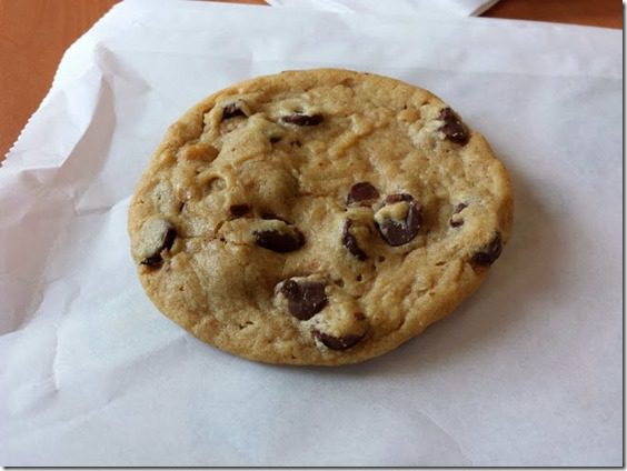 chocolate chip cookie after half marathon (669x502)