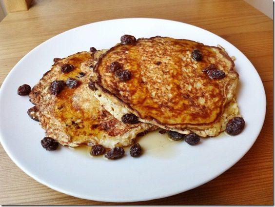 cinnamon raisin pancakes (800x600)