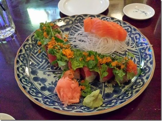 spicy tuna roll salmon sashimi (669x502)