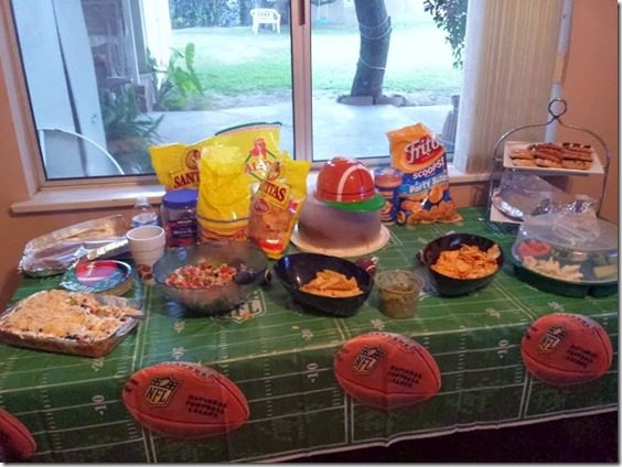 super bowl party snack table (669x502) (669x502)