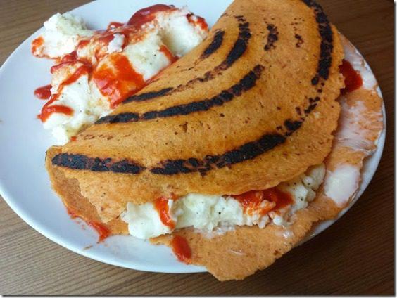 toufayan breakfast wrap with sriracha (669x502)