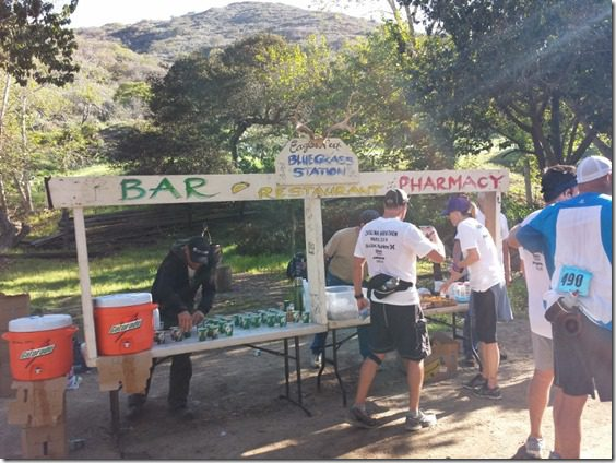best aid station at catalina marathon (800x600)