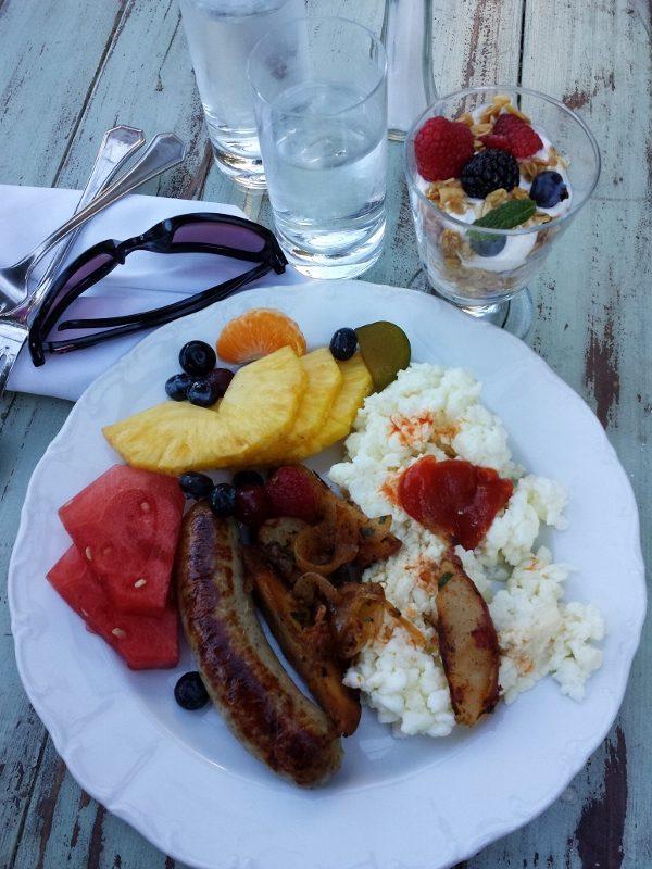 breakfast after la marathon shakeout run asics (600x800)