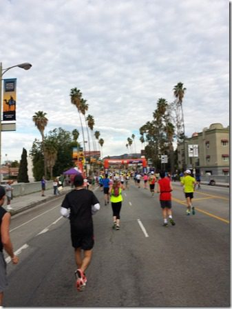 la marathon mile 8 hollywood sign 600x800 thumb LA Marathon and Carb Loading Mexican Style