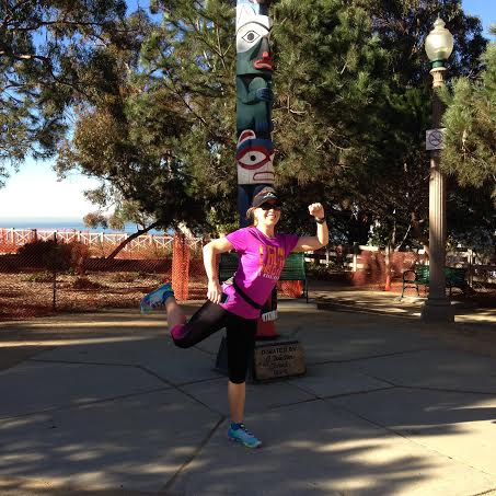 rer running pose in santa monica Last Minute Tips Before the LA Marathon from Coach Kastor, Ryan Hall and Deena Kastor