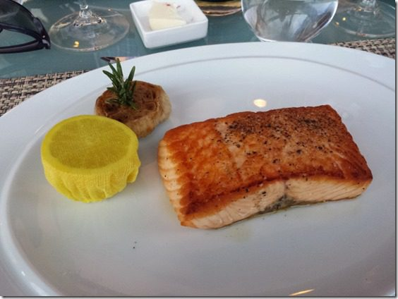 salmon dinner after la marathon (800x600)