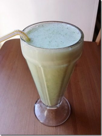 skinny shamrock shake with broccoli or spinach (600x800)