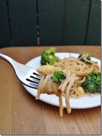 peanut sauce noodles (600x800)