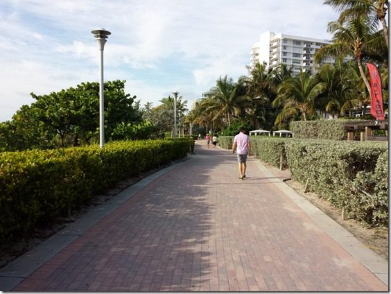 running on south beach (800x600)