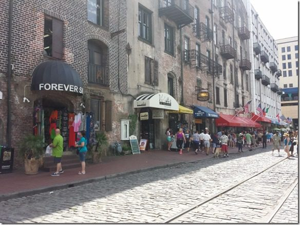 river street in savannah (800x600)