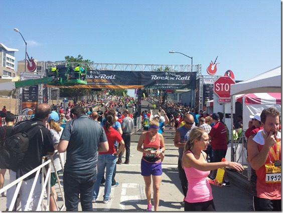 rock n roll marathon finish line san diego (800x600)