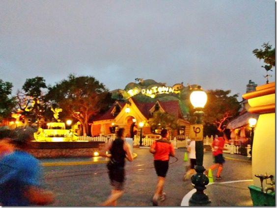 disneyland half marathon review running blog 9 (800x600)