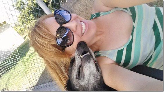 dog kisses (800x450)