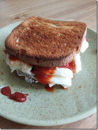 egg sandwich breakfast (600x800)