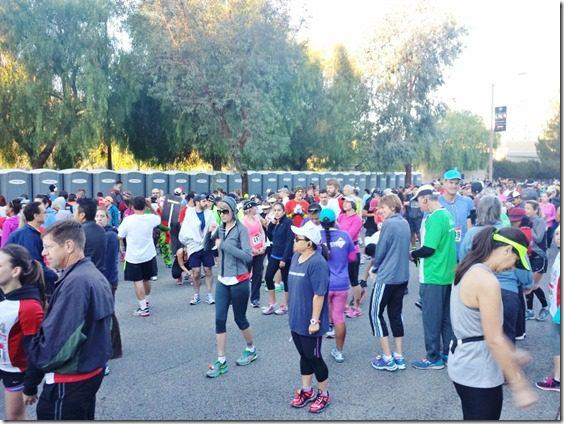 santa clarita marathon start line (800x600)