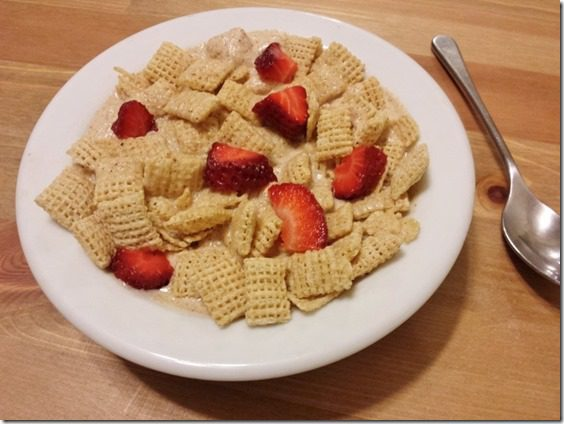 almond butter and jelly cereal recipe (800x600)