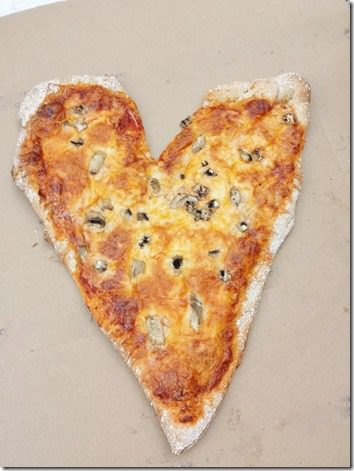 heart shaped pizza for national pizza day 1 (800x600)
