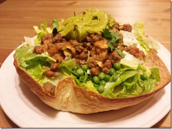 how to make a baked tortilla shell salad (800x600)