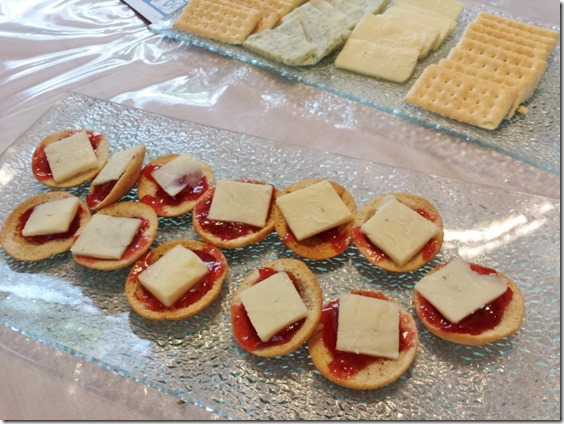 cheese and crackers (800x600)