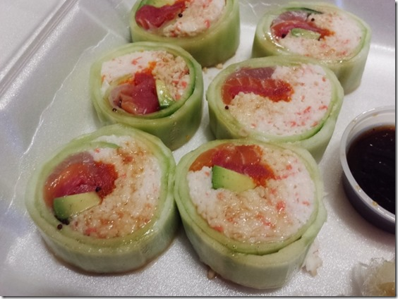 sushi take out friday night (800x600)