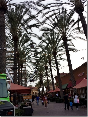 fashion and food trucks at the irvine spectrum (600x800)