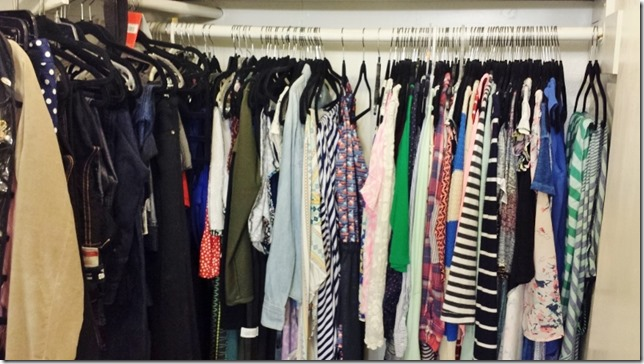 how to do a capsule wardrobe before photo (800x450)