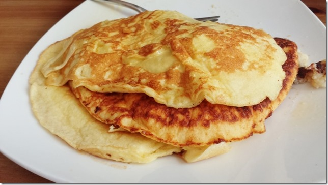 pancakes with honey butter (800x450)
