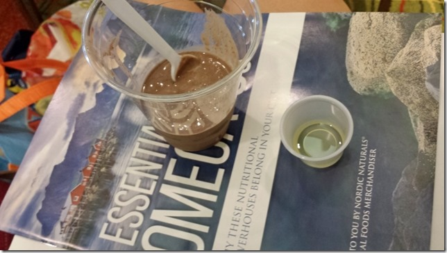 learning about omega 3s at shiftcon blogger conference (800x450)
