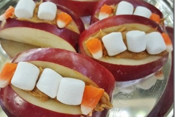 Healthy Halloween Snack Teeth