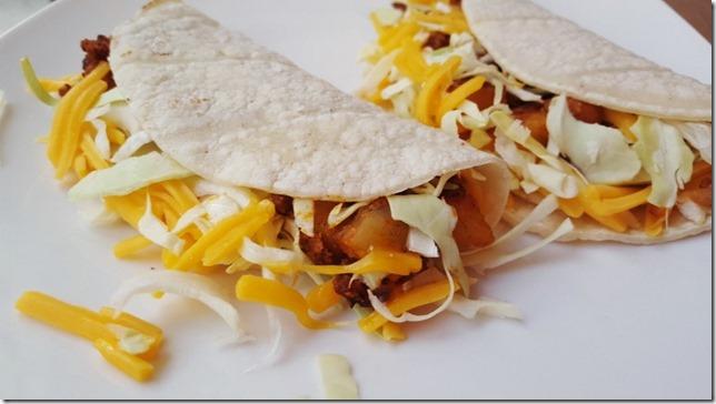 meatless chorizo and potato tacos 3 (800x450)
