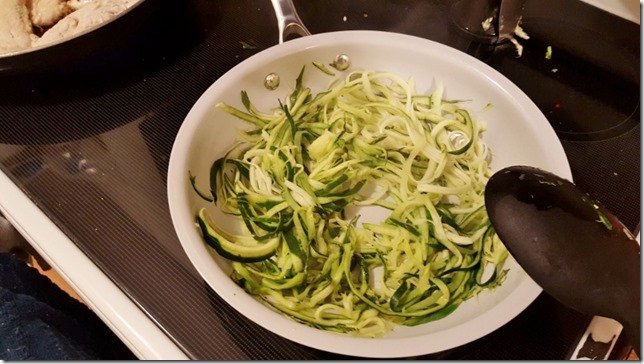 chicken and zoodles dinner 1 (800x450)
