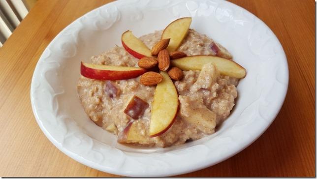 healthy apple oatmeal recipe blog 4 (800x450)
