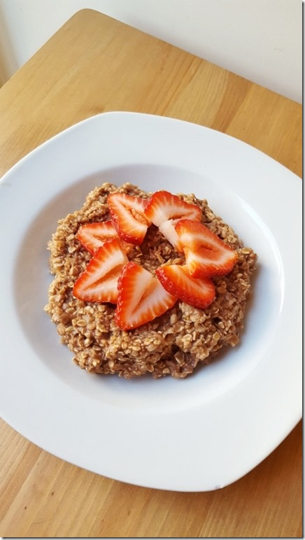 chocolate covered strawberry oatmeal recipe 3 (800x450)
