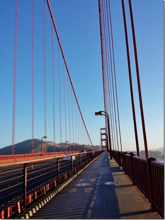 walking or running across golden gate bridge (600x800)