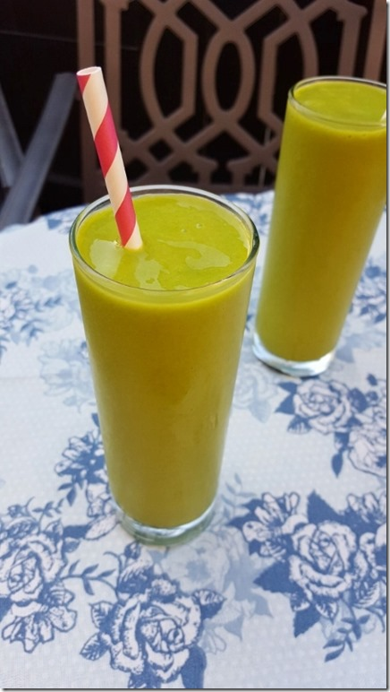 mango green smoothie recipe 7 (450x800)
